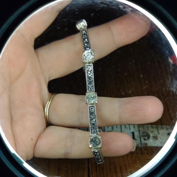 Jewelry - 😄 3 for $13 Vintage bracelet